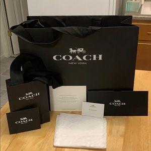 Coach gift bag set